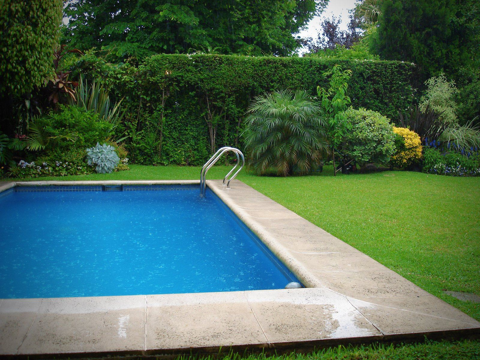 swimming-pool-1224450